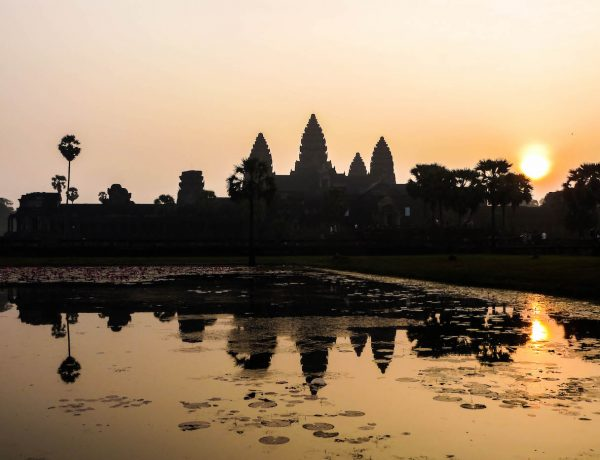 Der Sonnenaufgang bei Angkor Wat.