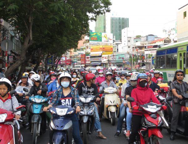 Strassenverkehr in Asien - der ganz alltägliche Wahnsinn