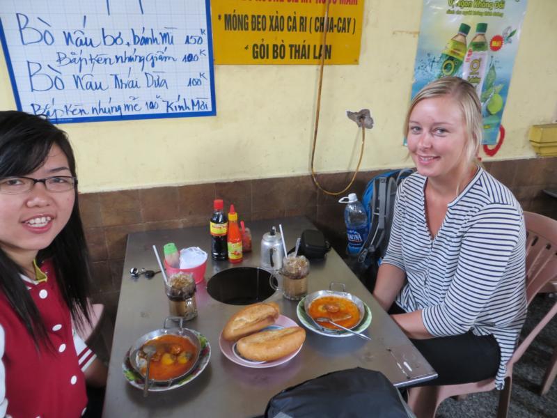 mit meiner Couchsurfing Gastgeberin in Vietnam