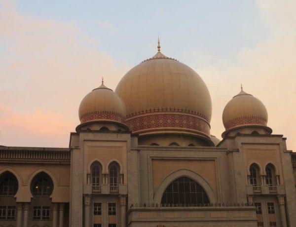 Putrajaya - Malaysias architektonisches Meisterwerk
