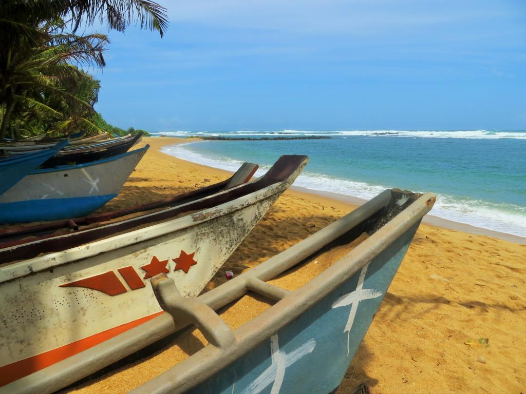 wunderschöne und auch ganz viele einsame Strände gibt es in Sri Lanka