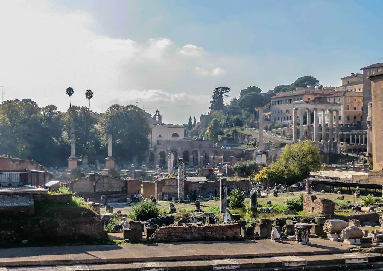 Einer der schönsten Plätze in Rom: Das Forum Romanum.