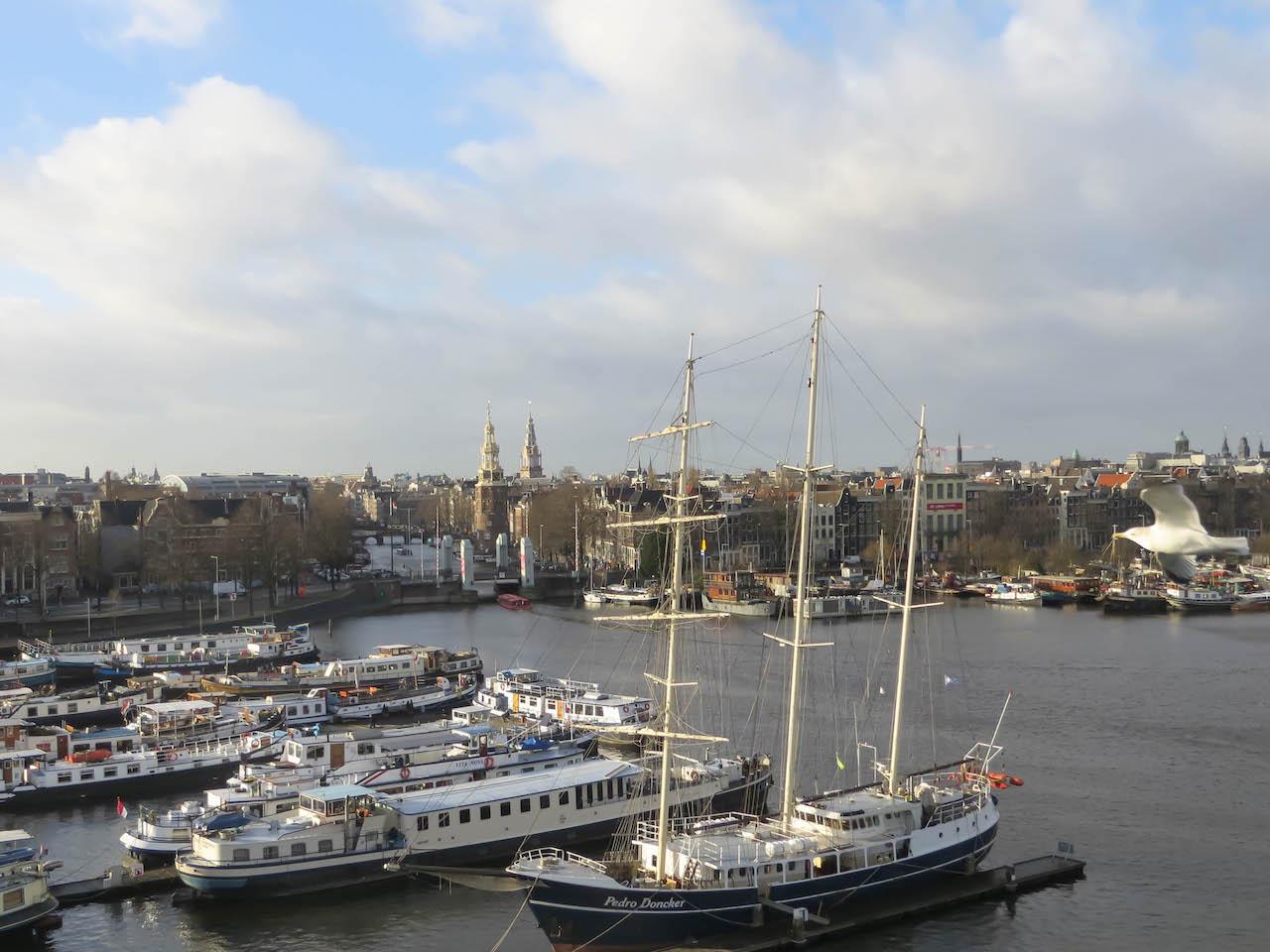 Überall in Amsterdam gibts schöne Aussichten.