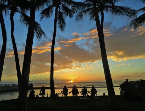 Der Waikiki Beach auf Hawaii als Bildstrecke