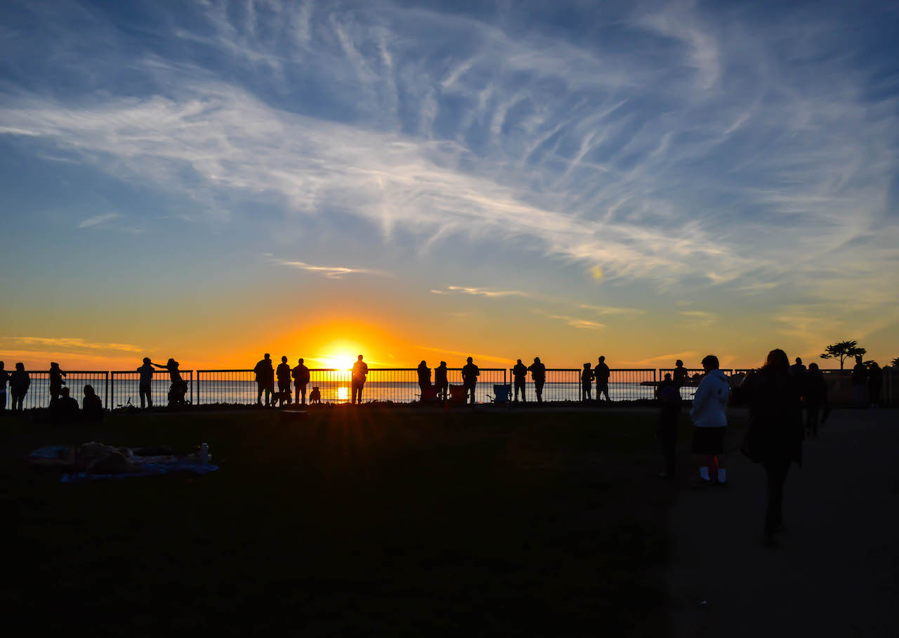 Sonnenuntergang am West Cliff Drive in Santa Cruz in Kalifornien.