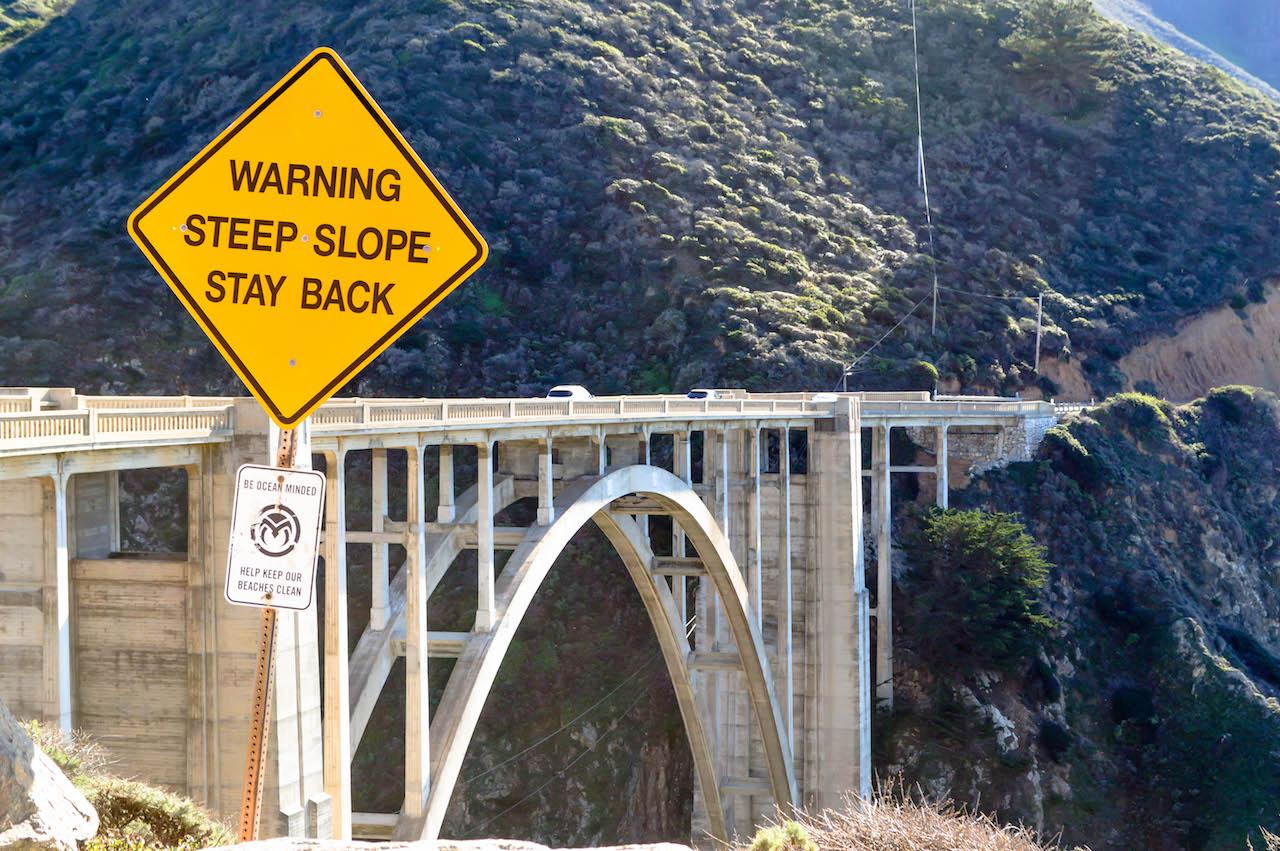 Die bekannte Bixby Bridge auf dem Highway No 1.