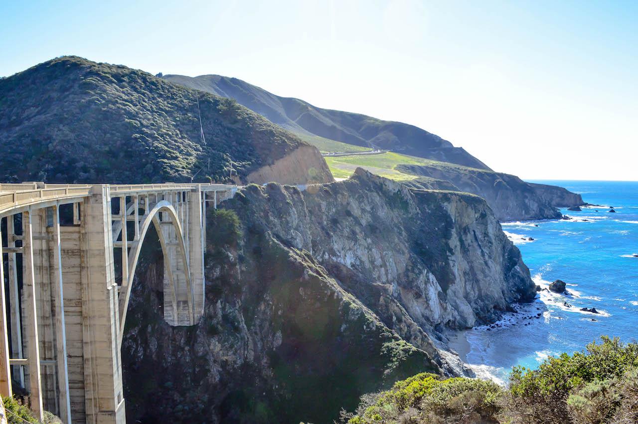 Über die Bixby Bridge in Kalifornien.