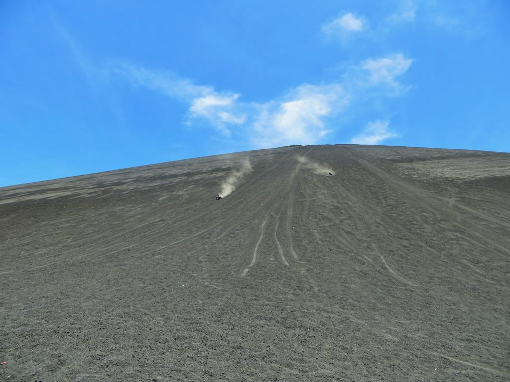 Vulkanboarding auf dem Cerro Negro bei León.