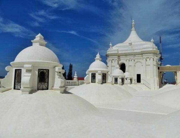 Auf der Kathedrale in León - Erinnert an Santorini.