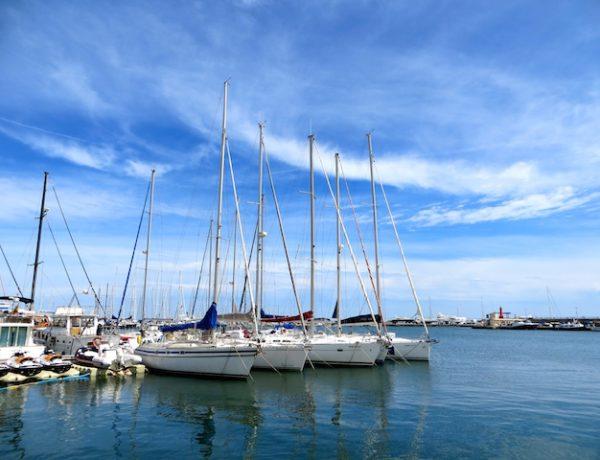 Der Hafen von Cambrils bietet Postkartenidylle.