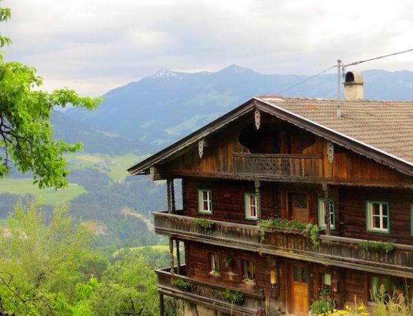 Wunderbare Aussichten in Tirol in Österreich.