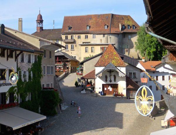 Gruyères - Schoggi, Käse und jede Menge Schweiz