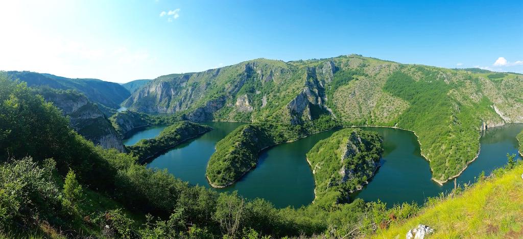 Der wunderschöne Uvac Canyon in Serbien.