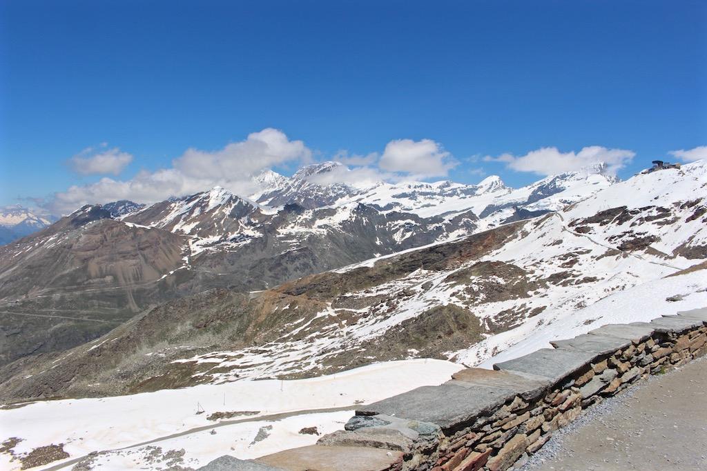 Auf dem Gornergrat gibt es Aussicht auf 29 Viertausender.