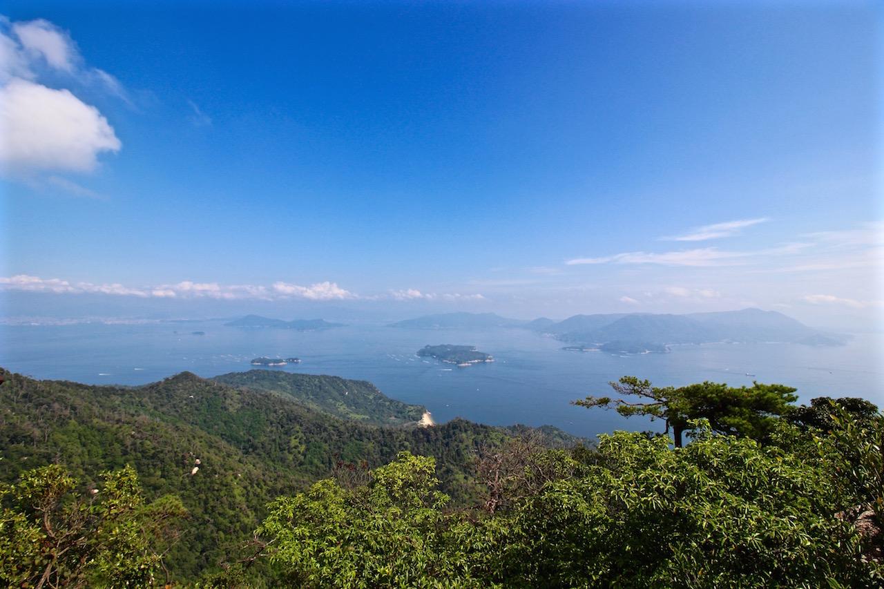 Blick vom Mt. Misen über die Insel Miyajima.