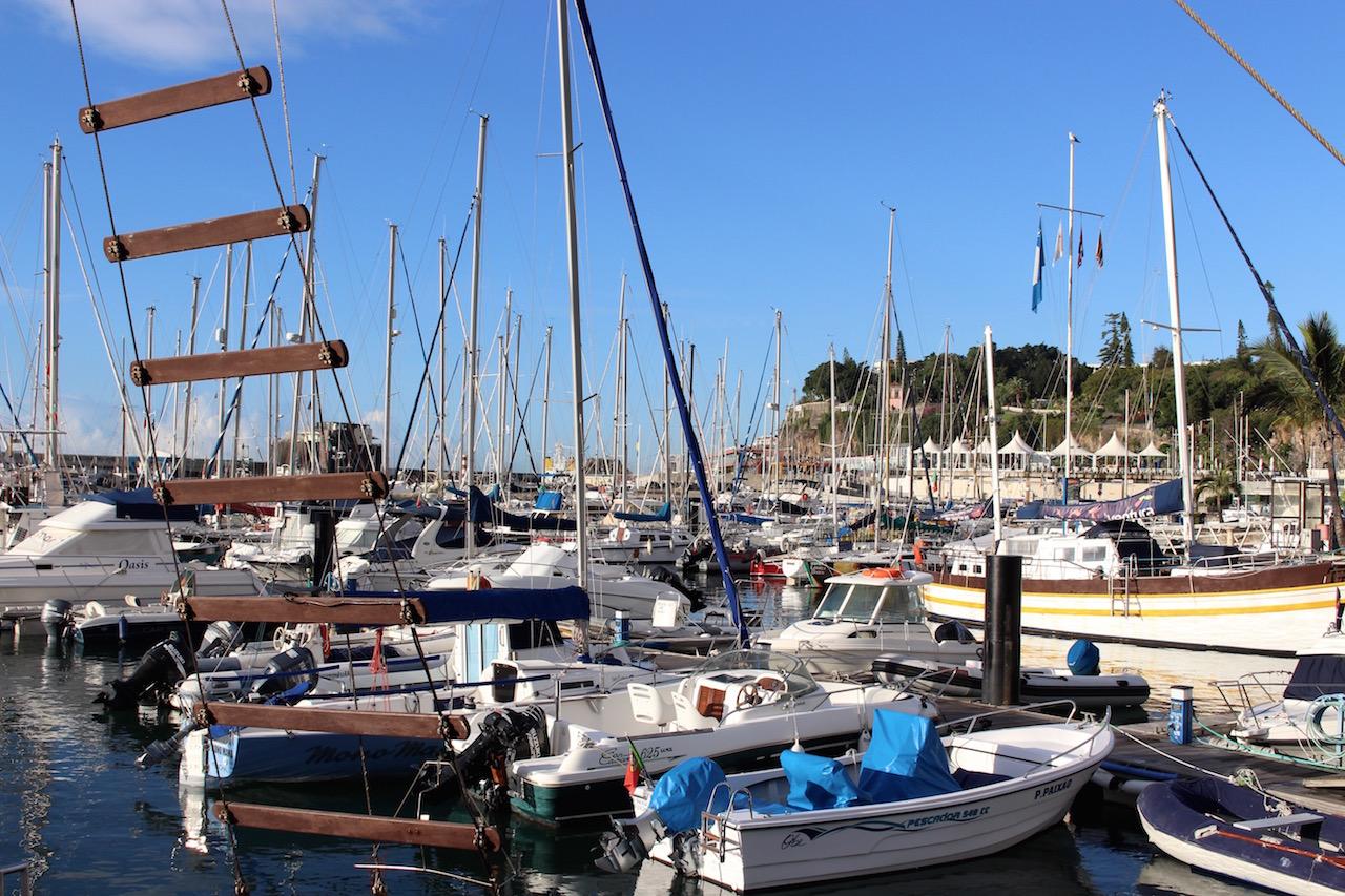Per Boot auf Entdeckungstour auf Madeira.