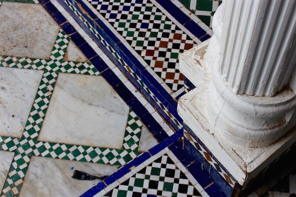 Kunstvolle Fliesen im Bahia Palast in Marrakesch.