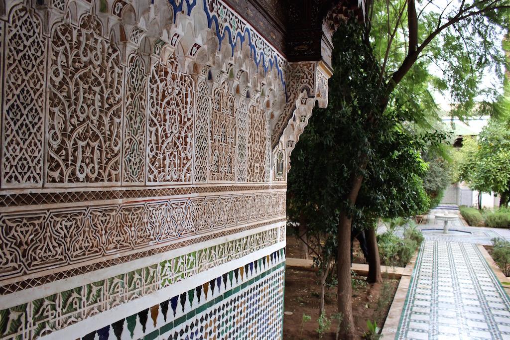 Einer der Innenhöfe des Bahia Palastes in Marrakesch.