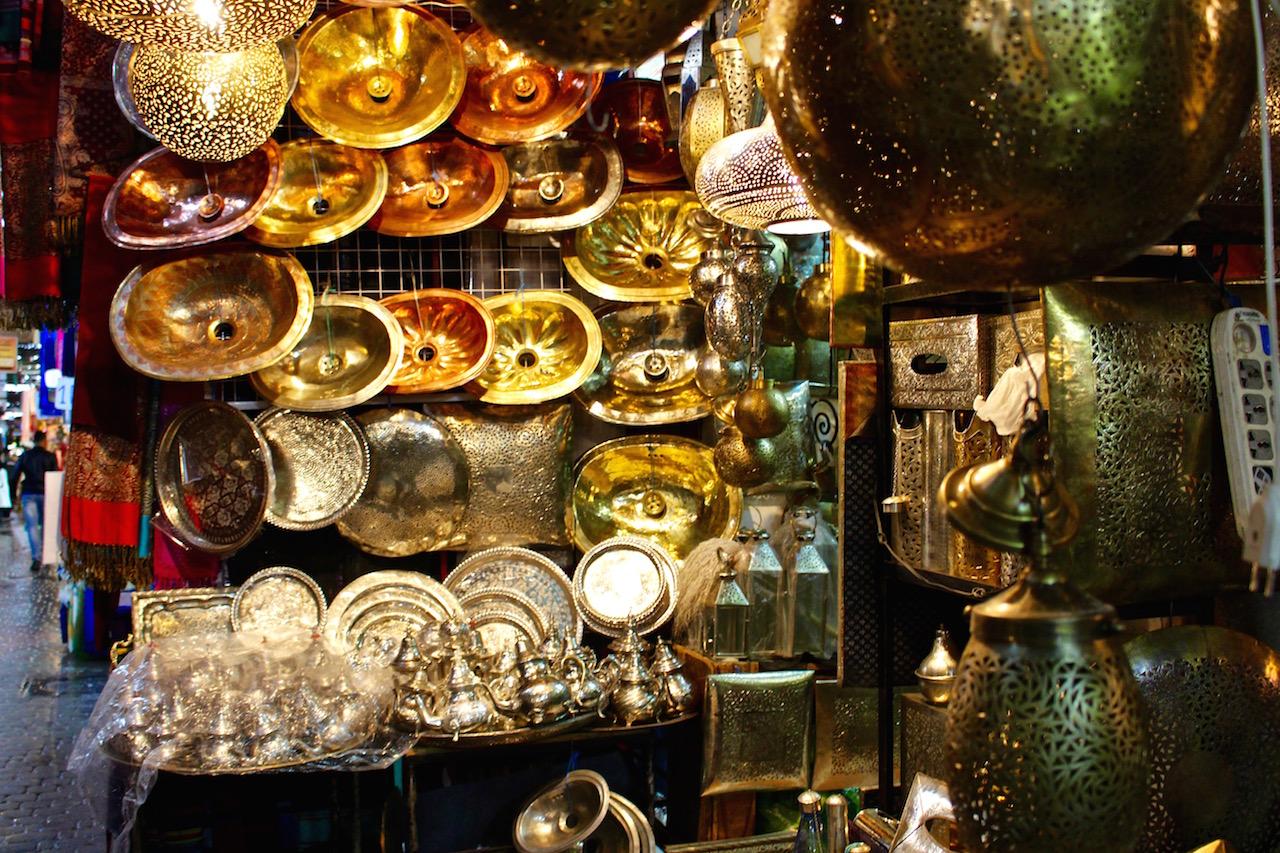 Überall gibt es Schönes zu kaufen in Marrakesch.