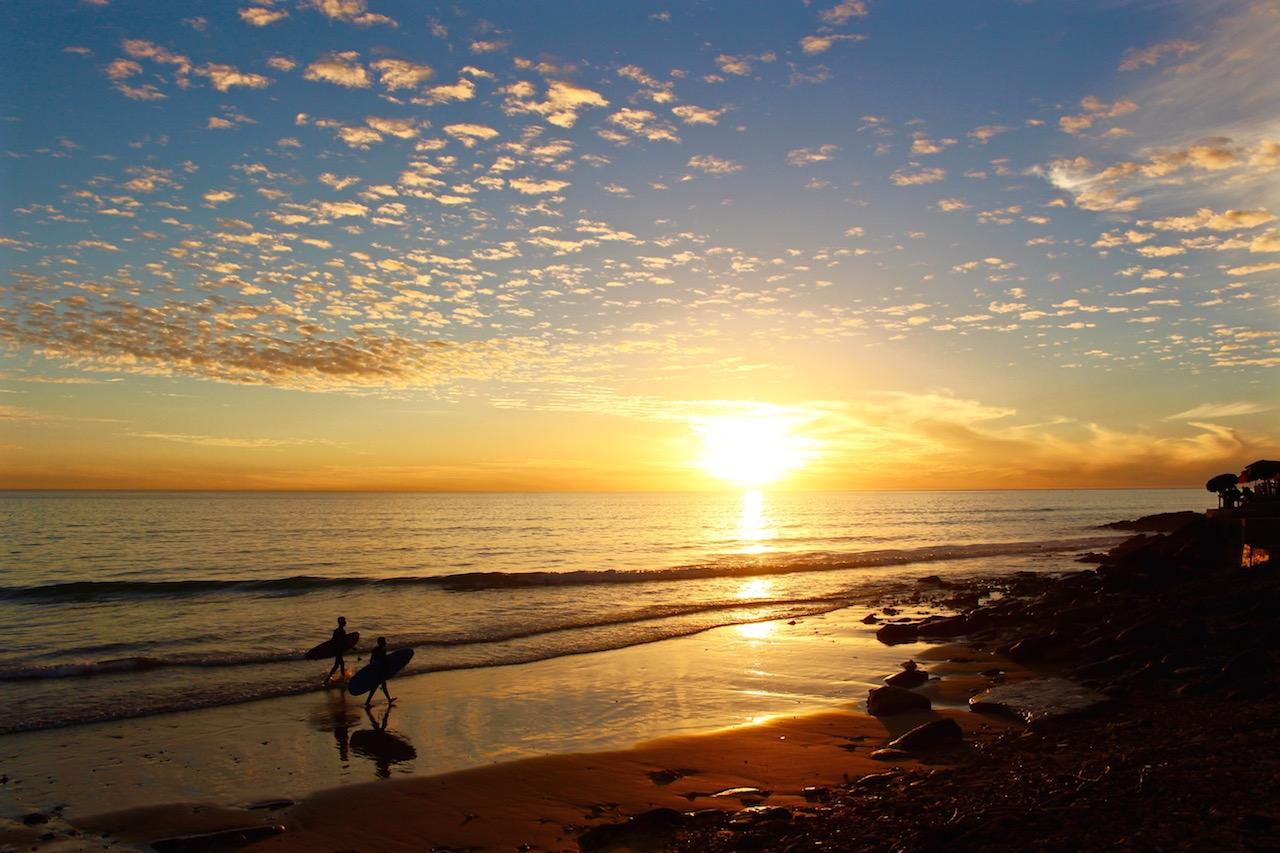 Wie wärs mit einer Sunset Session direkt vor dem Surf Berbere Surfcamp?