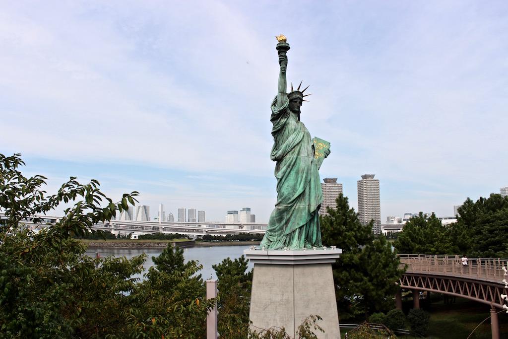 In Odaiba in Tokio gibt es auch eine Freiheitsstatue.