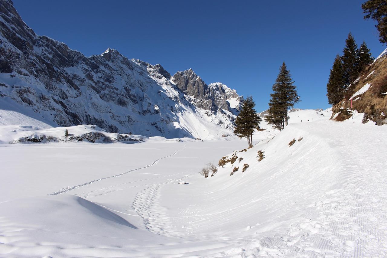Winterwanderung um den Trübsee in Engelberg.