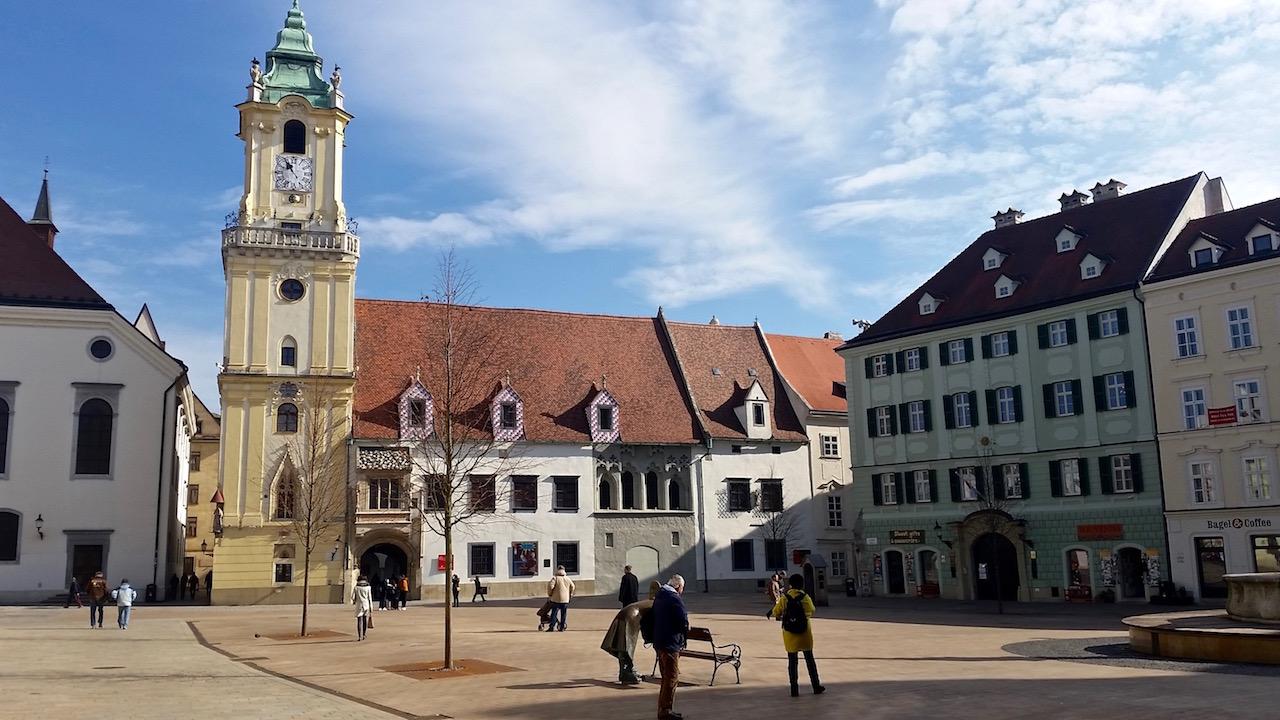 Platz in der Altstadt von Bratislava.