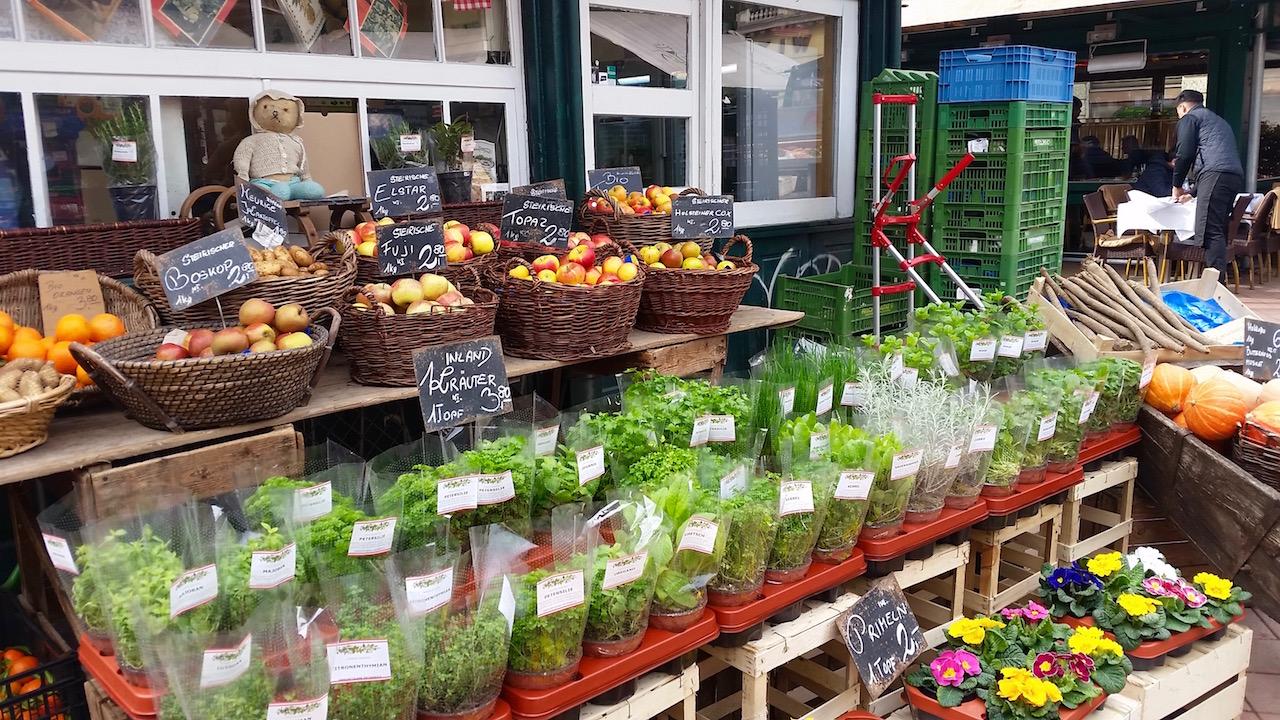 Auf dem Naschmarkt in Wien ist alles zu finden!