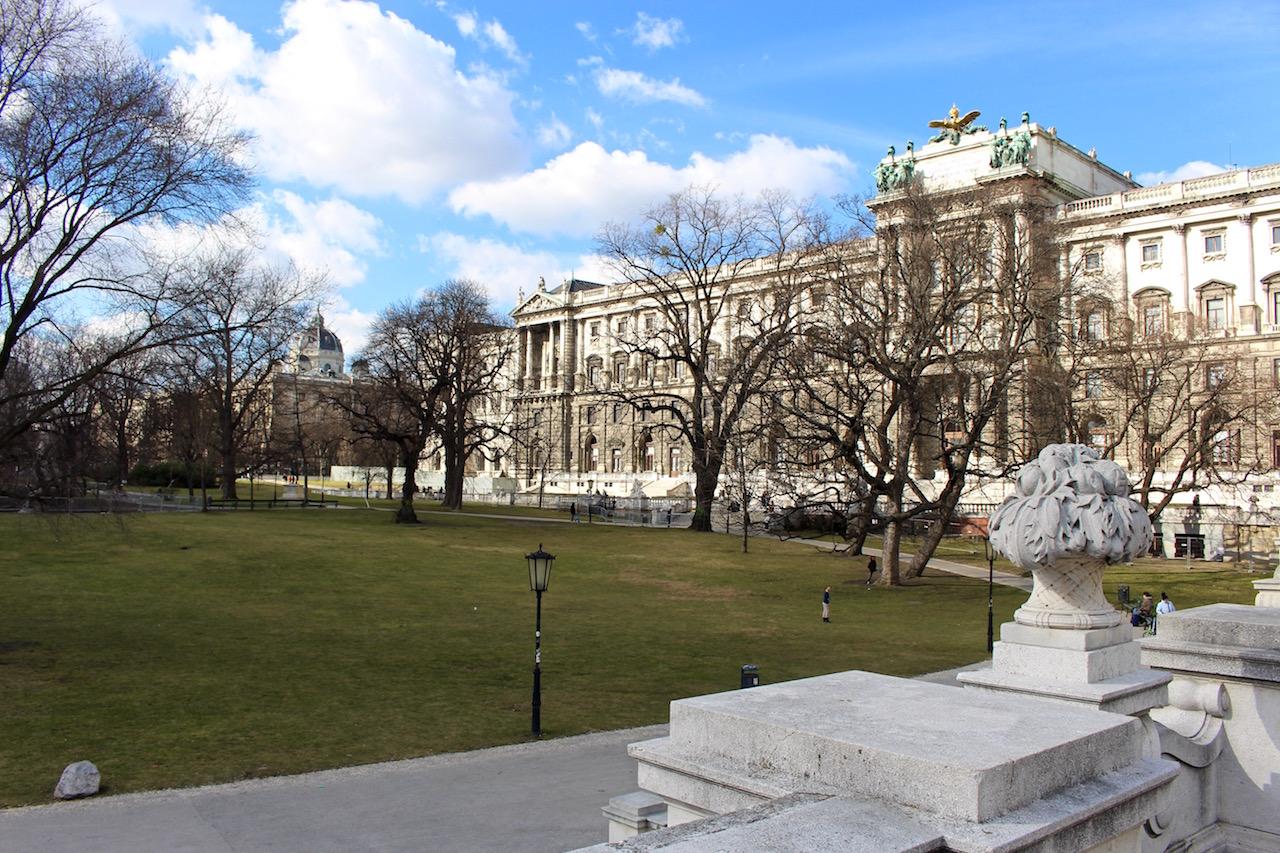 Die Wiener Hofburg.