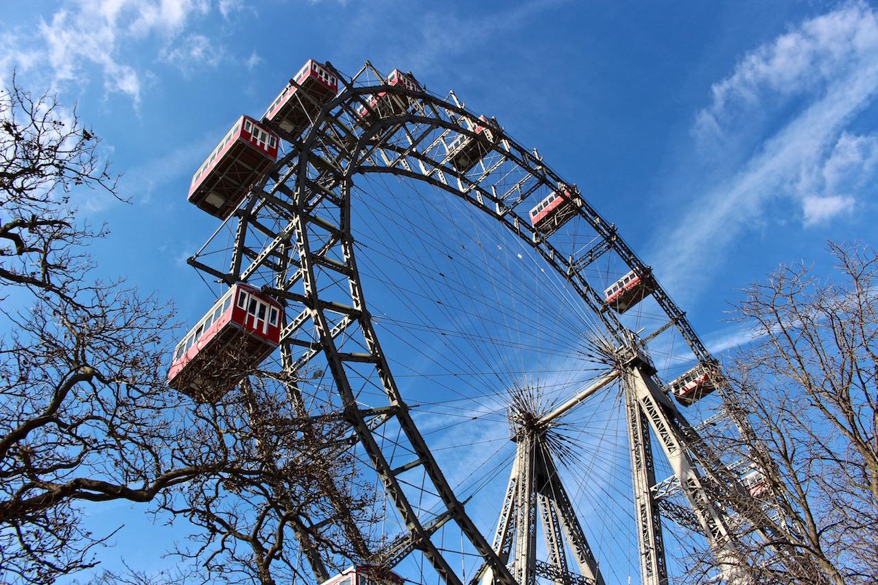Eine Fahrt mit dem Riesenrad verspricht tolle Aussichten über Wien!