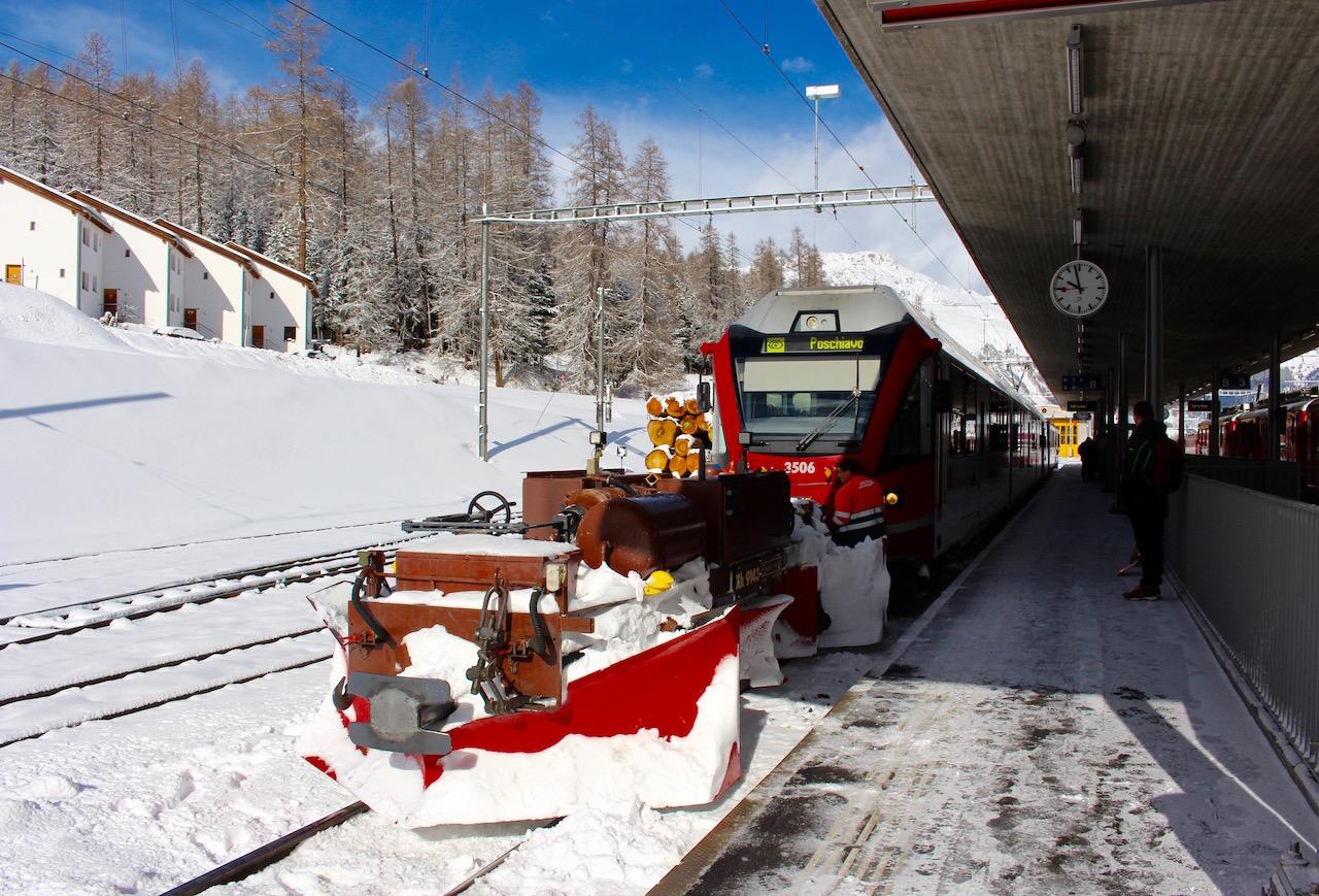 Mit der Rhätischen Bahn von Pontresina nach Morteratsch.