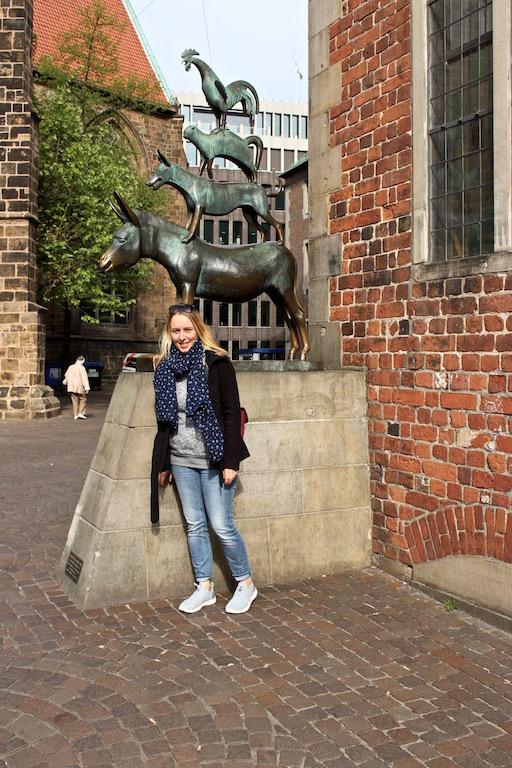 Rapunzel will erstmals den Bremer Stadtmusikanten Hallo sagen.