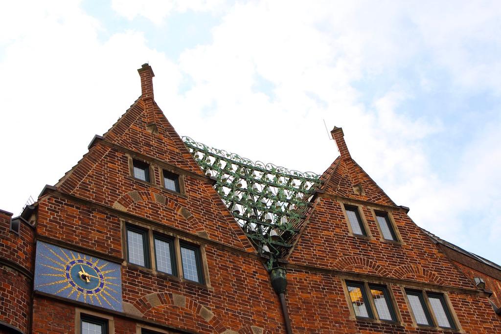 Das Glockenspiel in der Böttcherstrasse in Bremen.