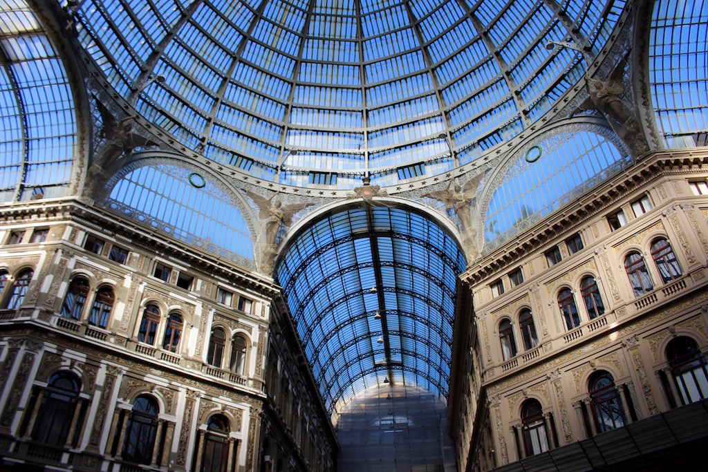 Die Galleria Umberto I in Neapel.