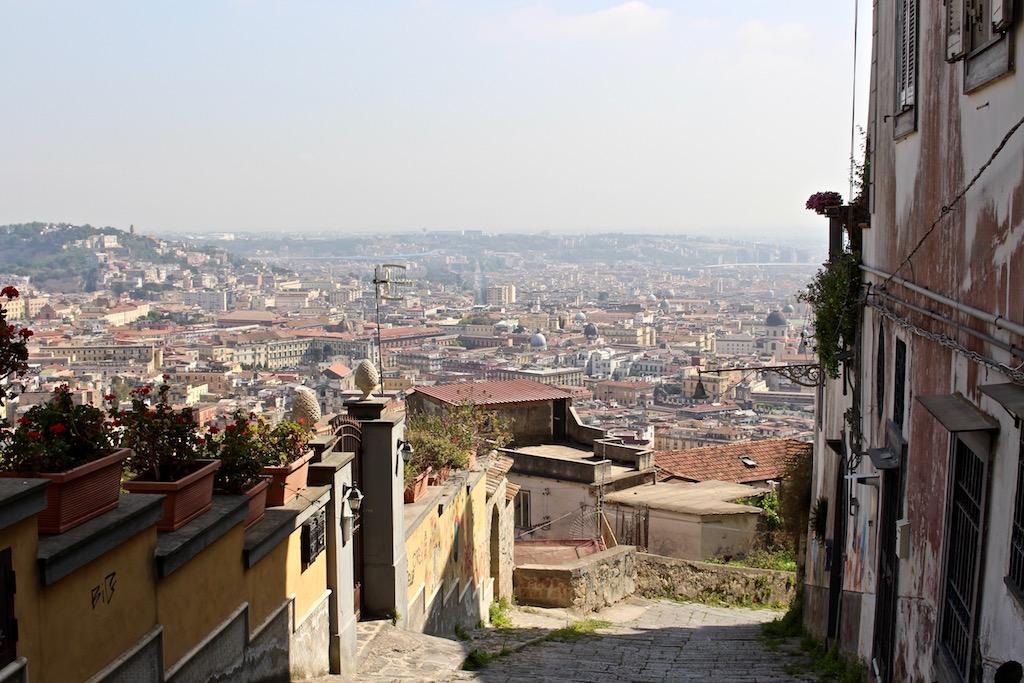Unterwegs in die Altstadt Neapels.