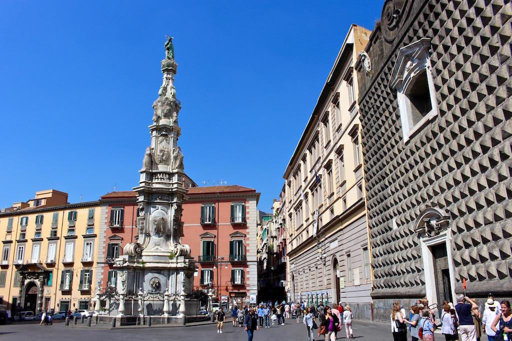 Neapels Altstadt lädt zu einem Bummel ein.