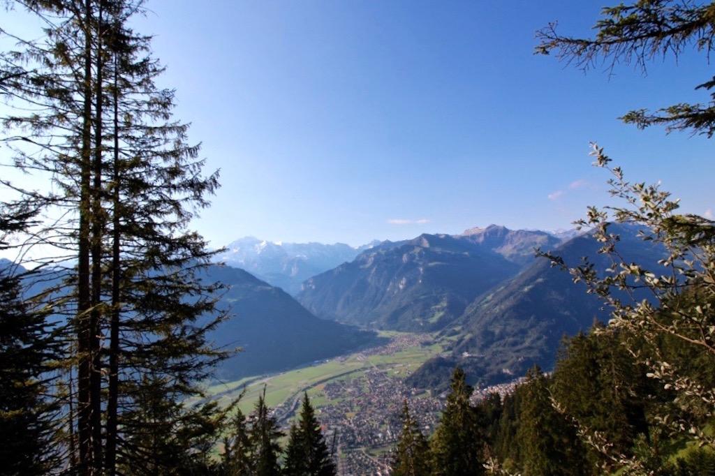 Blick vom Harder auf Interlaken.