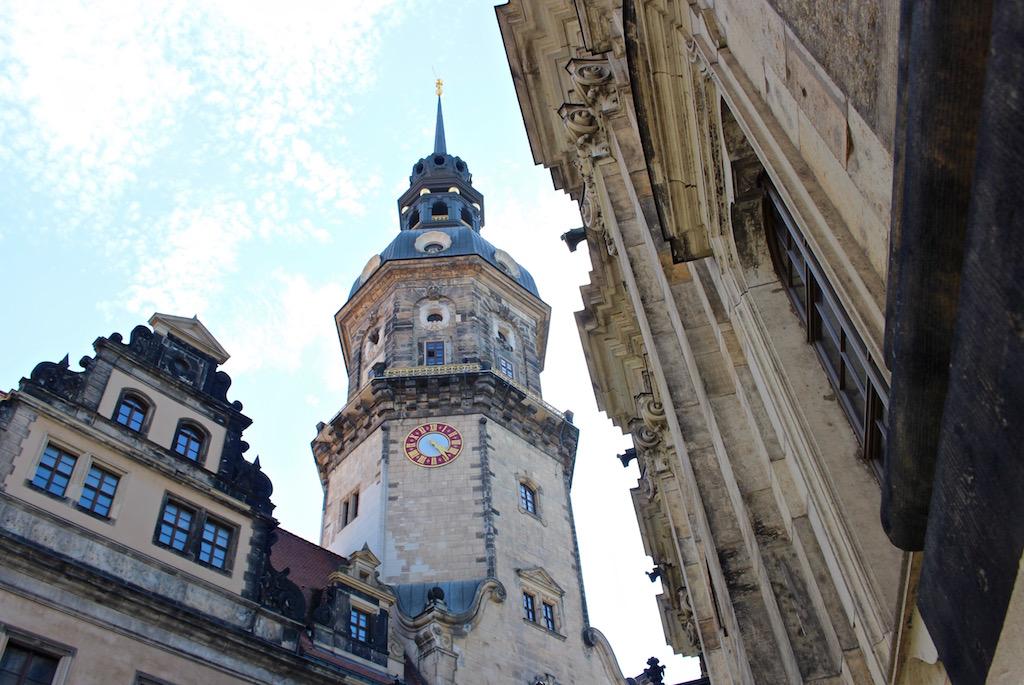 ...viele Kirchen, barocke Bauten und historische Gebäude.