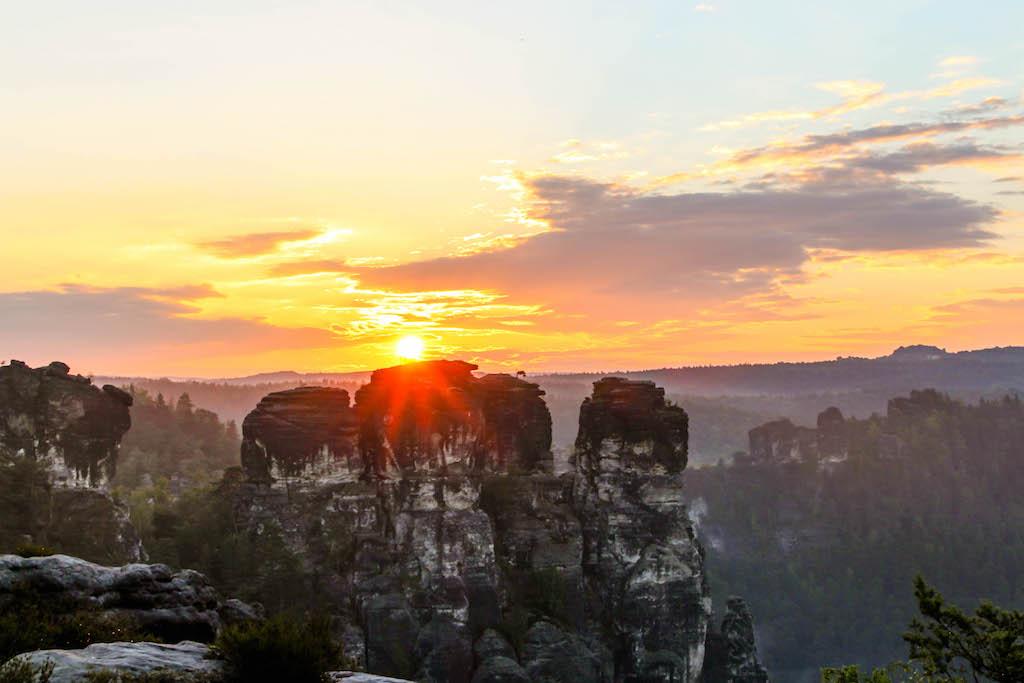 Sonnenaufgang auf der Bastei.