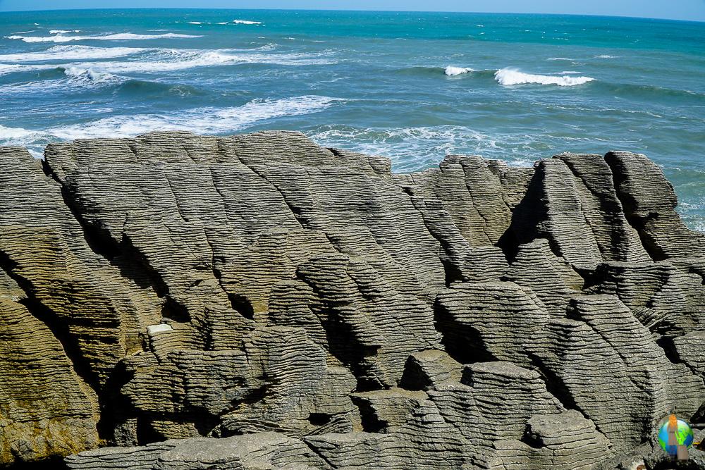 Die Pancake Rocks auf der Südinsel Neuseelands.