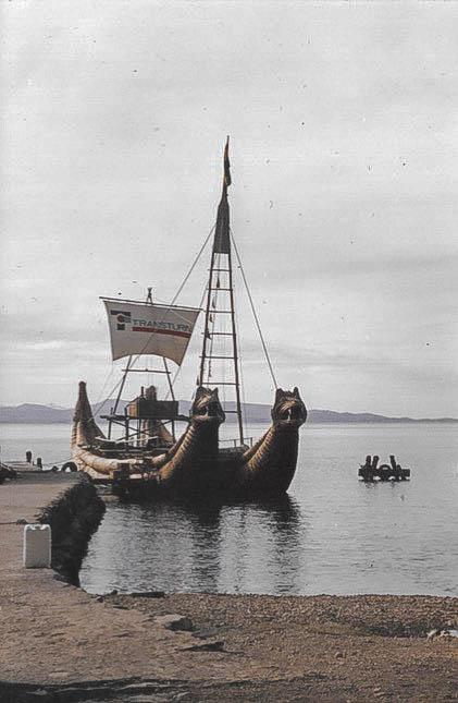 Die berühmten Schiffe des Titicacasees.