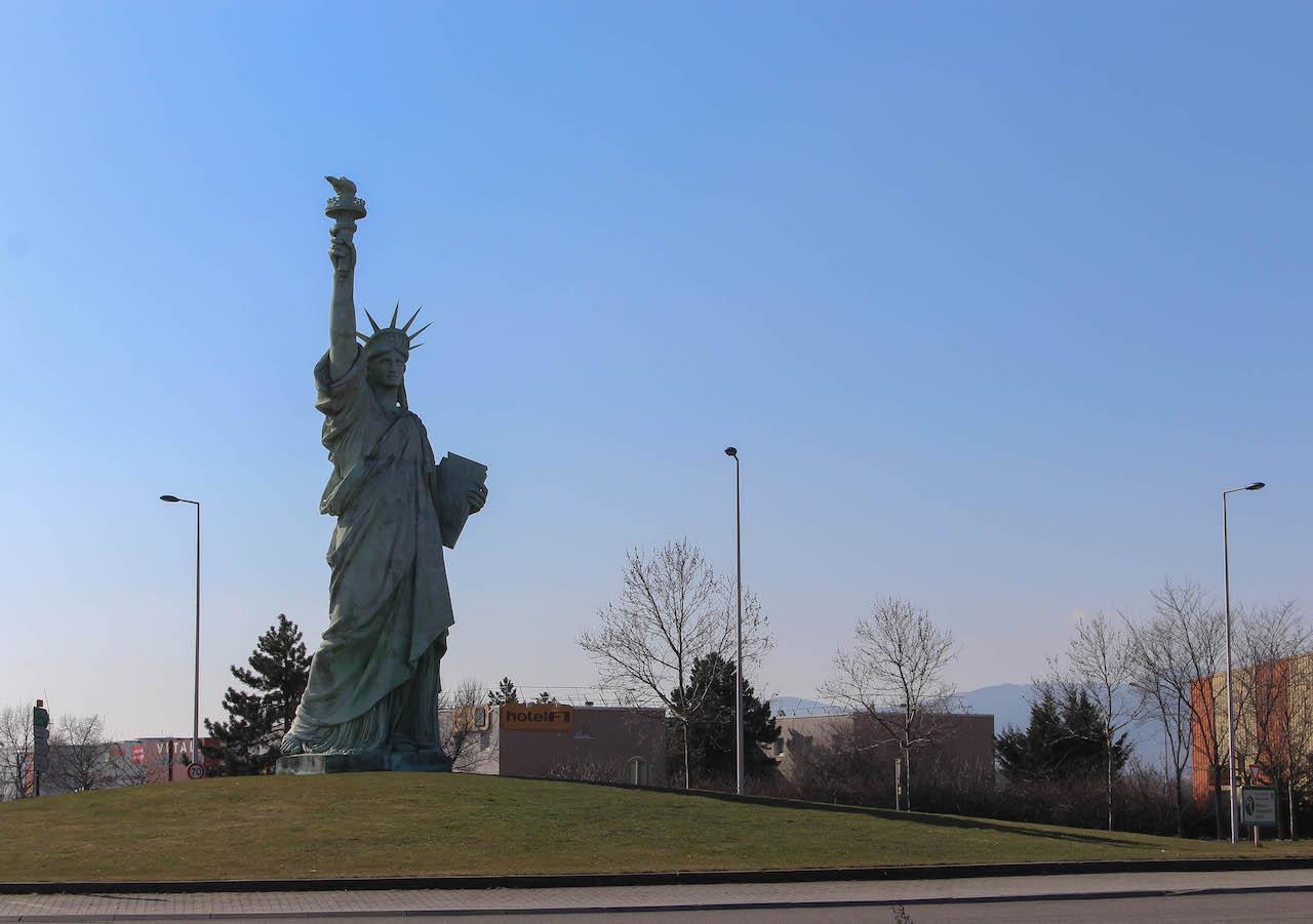 Nachbildung der Freiheitsstatue in Colmar zu Ehren Bartholdis.