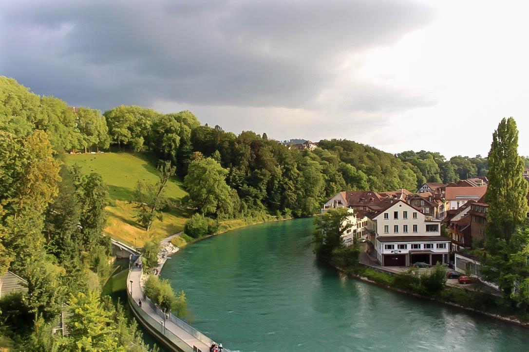 Die schöne, grüne Aare in Bern.