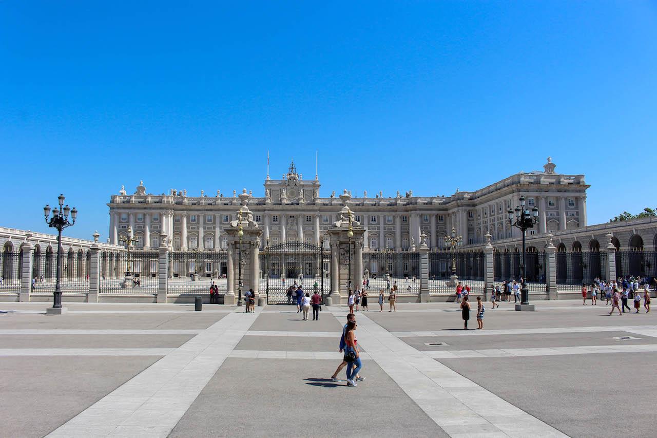 Der Palacio Real, Sitz der königlichen Familie.