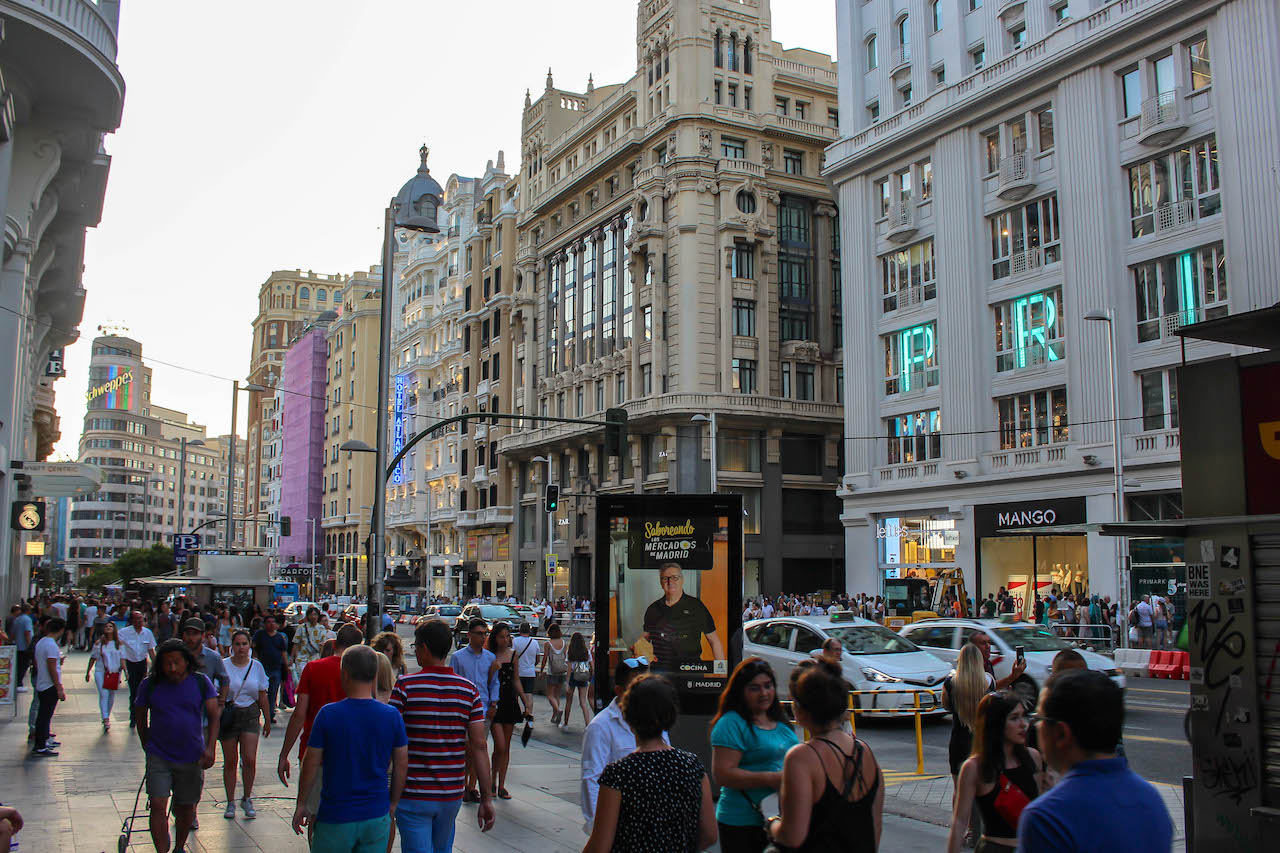 An der Gran Via in Madrid.