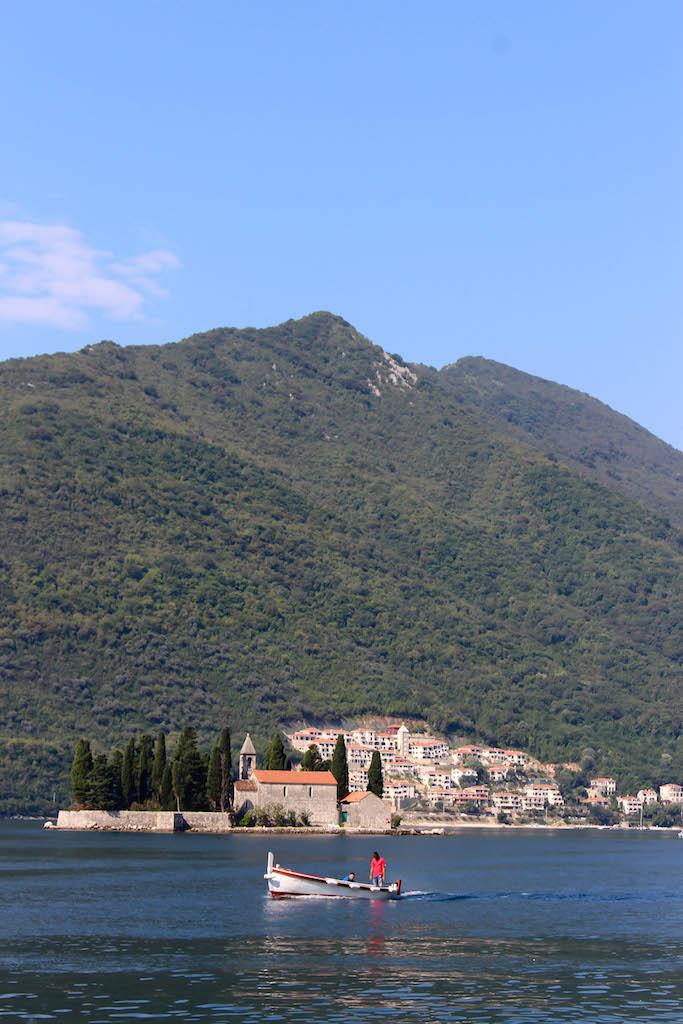 Ostrvo, Montenegro.