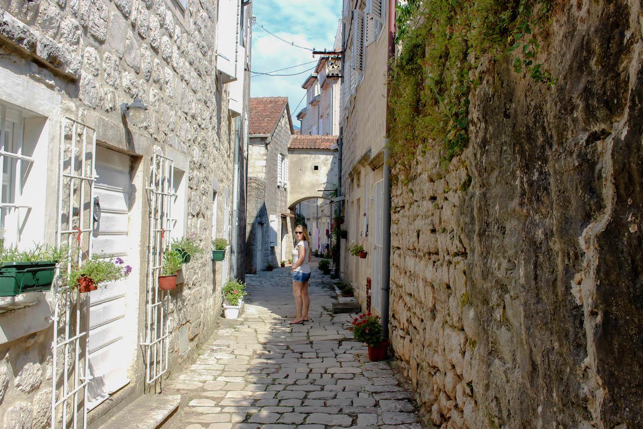 Rapunzel entdeckt Montenegro.