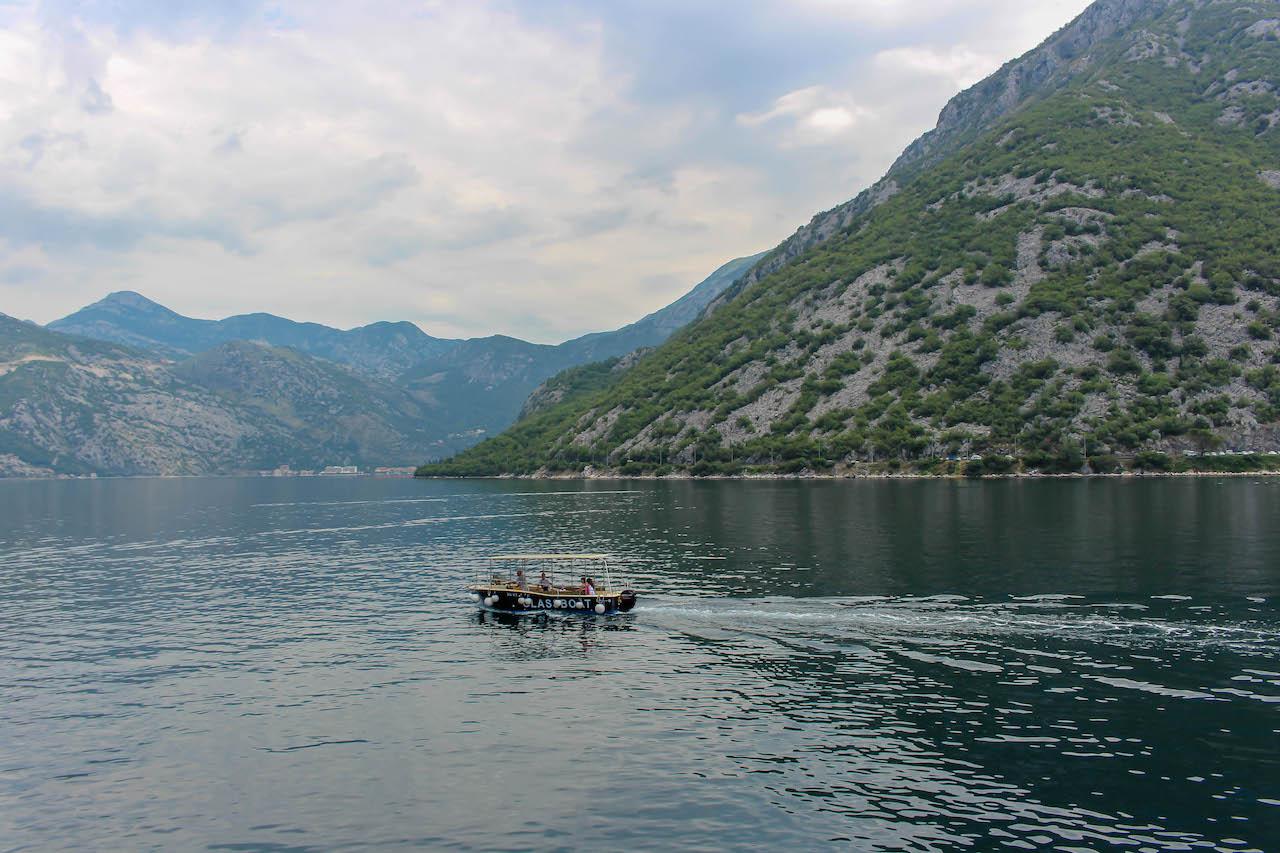 Gemütliche Tage an der Bucht von Kotor.