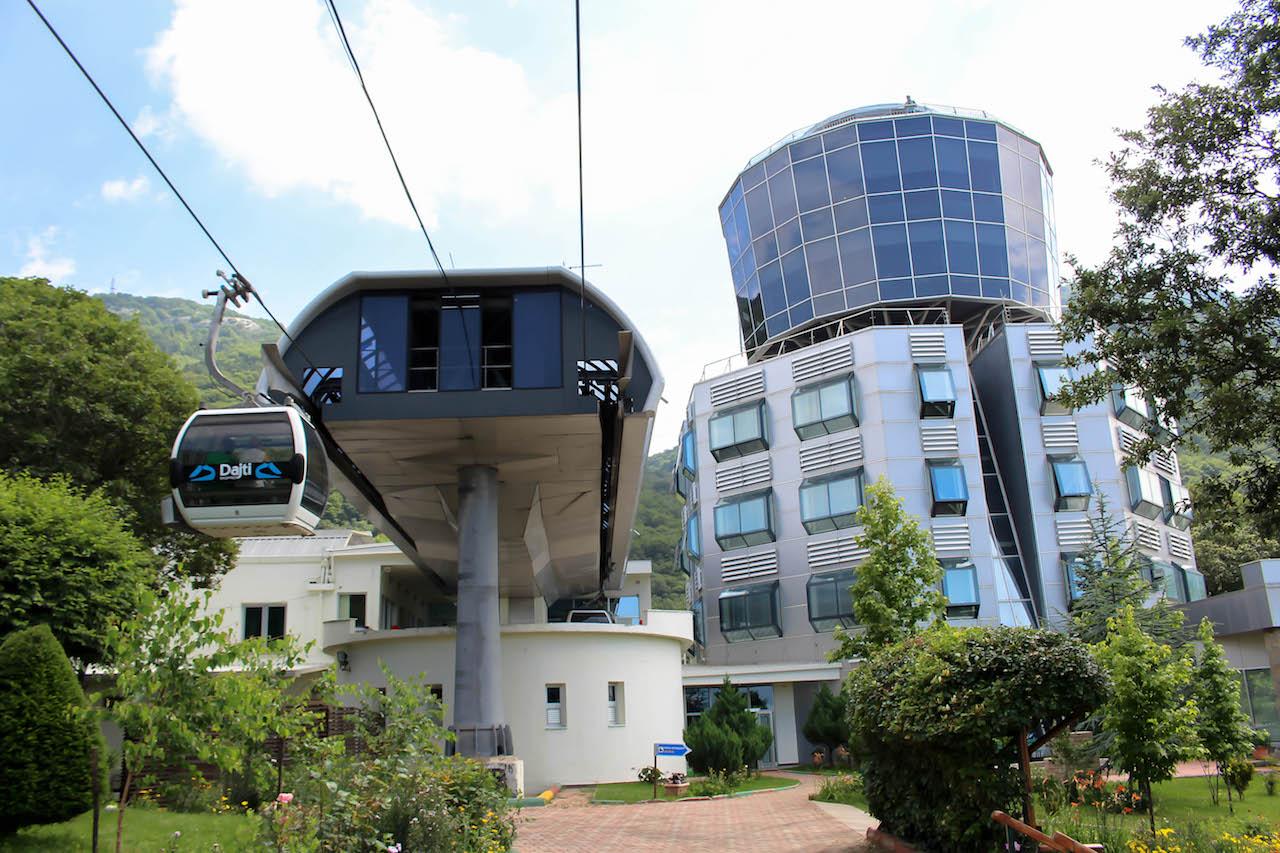 Auf dem Berg Dajit wartet ein Restaurant , ein Nationalpark und viele tolle Aussichtspunkte.
