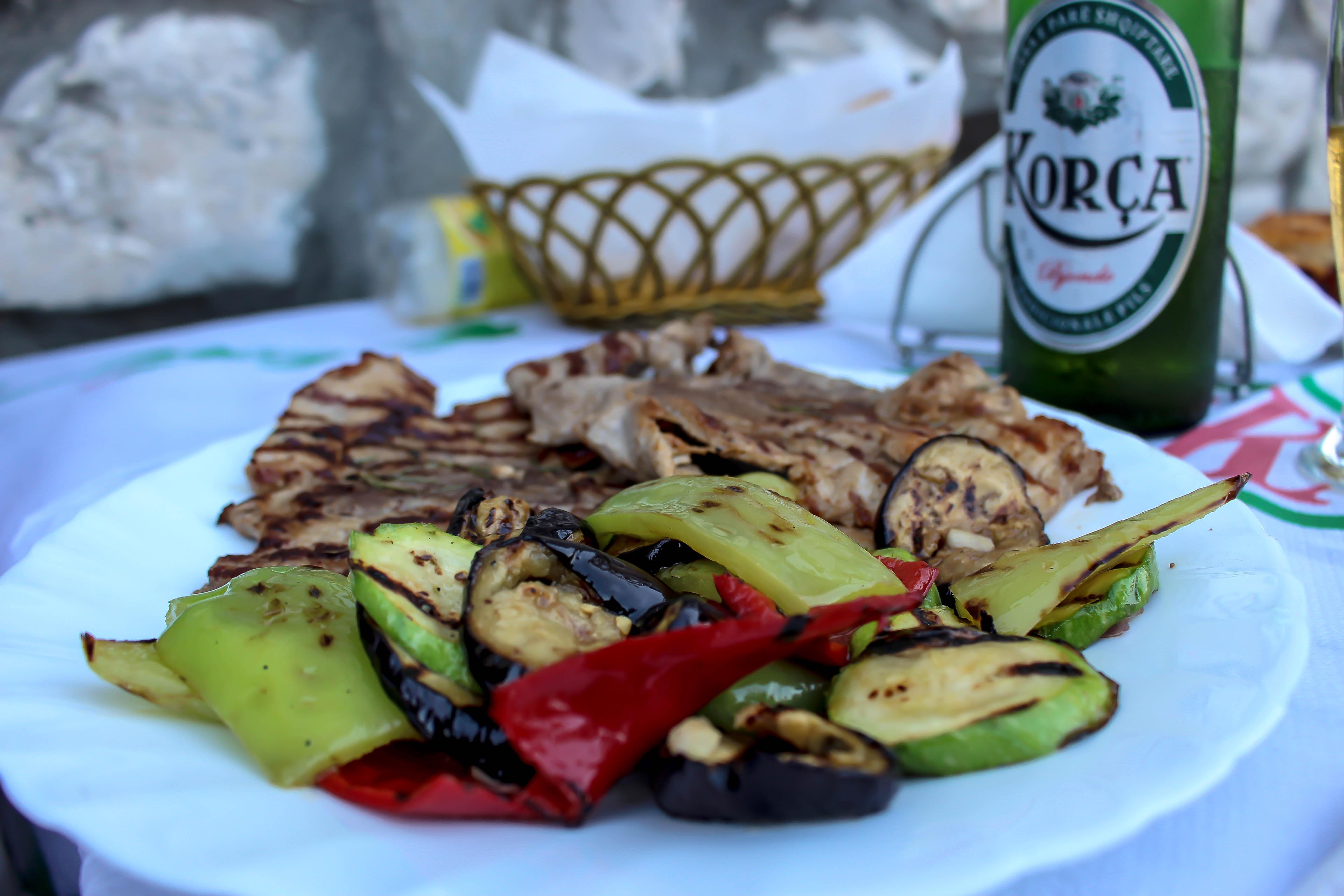 Leckere Gerichte findest du im Restaurant Temi auf dem Burgberg.